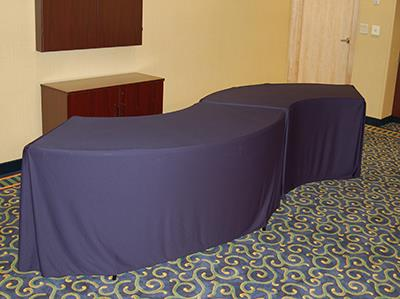Rent Serpentine Box Tablecloths